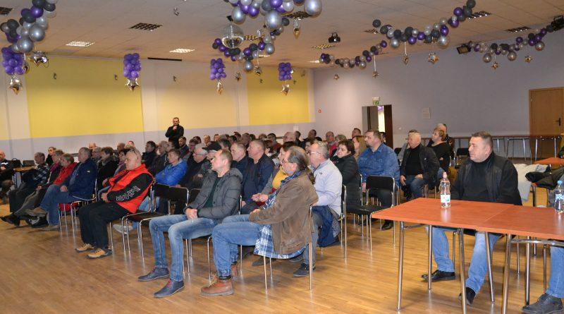 Ośrodek Kultury, mieszkańcy Zawidowa na spotkaniu informacyjnym